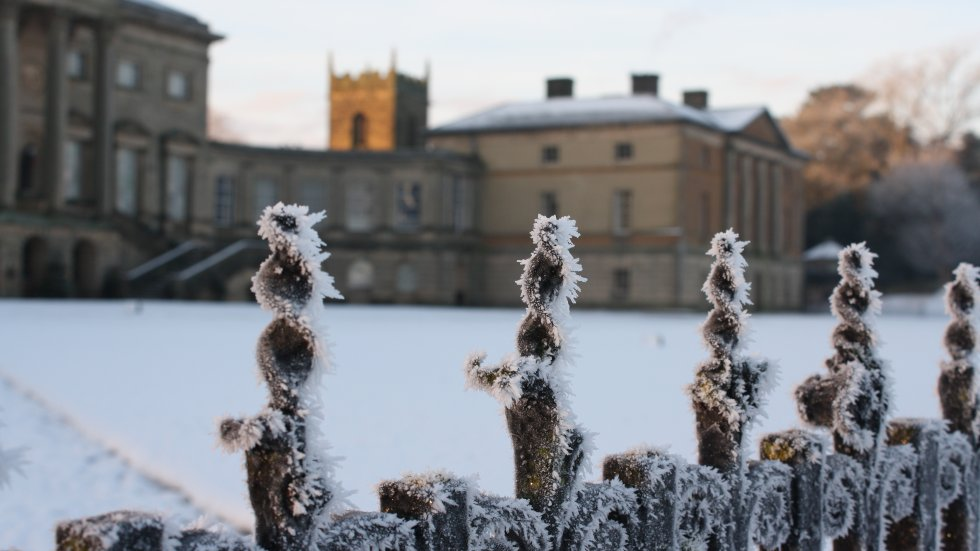 1431734760786-kedleston-fence-in-the-snow-2015